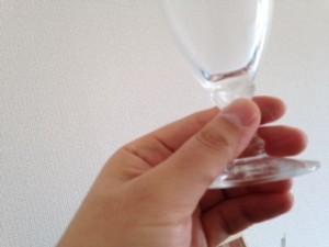 グラスの持ち方