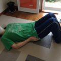 寝る、触れるだけで身体の歪み肩こり腰痛がとれる気功タッチセルフケア